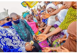 Hijra 1442: Oluwo Visits Poor, Aged, Offers Prayer, Distributes Money