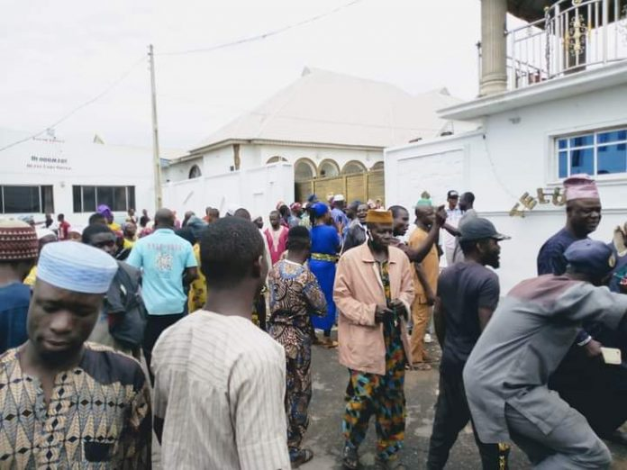 Oluwo Dethronement: Muslim Community, Market Women Kick as Gang-Up to Unseat Oluwo Thickens